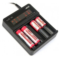 Efest LUC V4 - Four Bay LCD Battery Charger